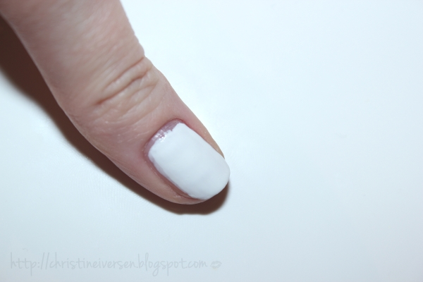 Tutorial How To Create Fun Spring Nails Using A Round Band Aid