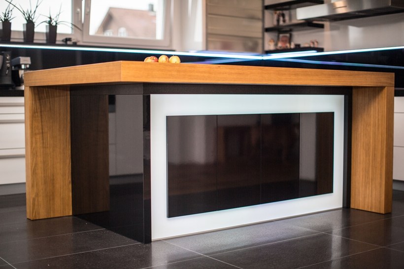 Kitchen island by Srecko Vukina