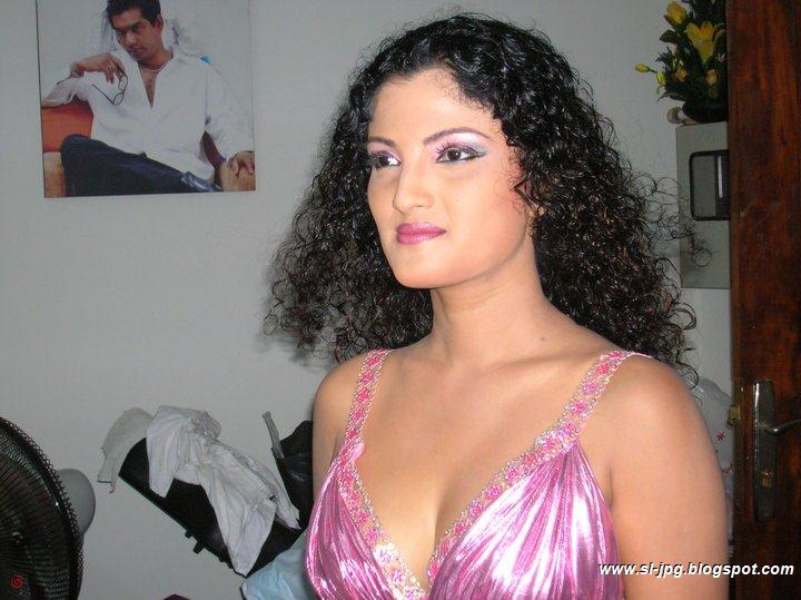 Srilankan Famous Actress Paboda Sandeepani Paboda Sandeepani Is Very Famous Actress In Sinhala Cinema And Tele Dramas Paboda Sandeepani Has Enter In To The