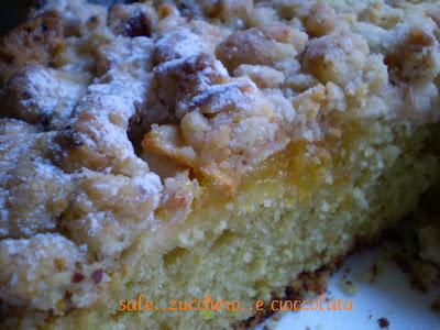 torta di mele morbida e croccante....