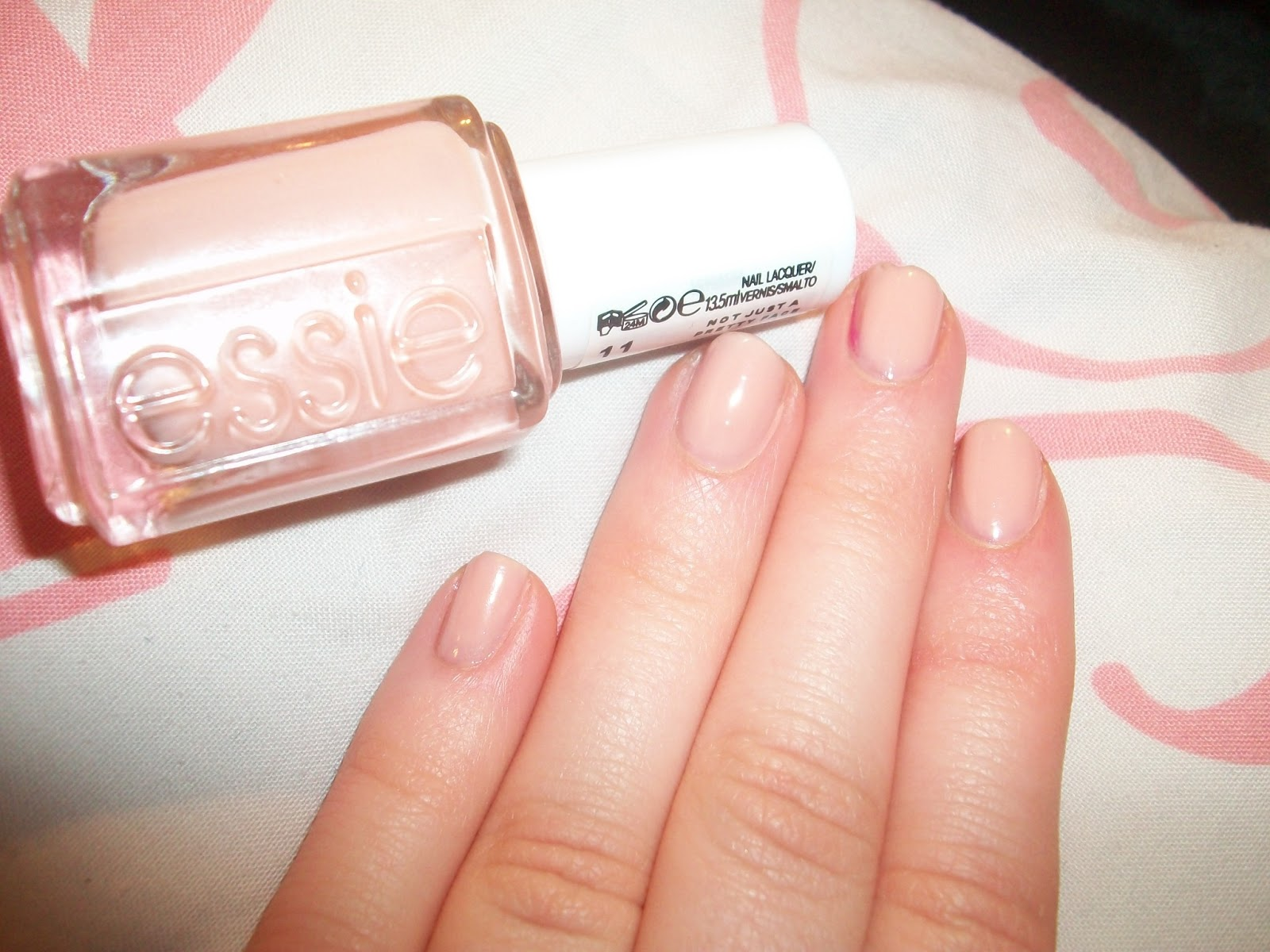 Emilicia STYLE - A Beauty, Fashion, & Lifestyle Blog: Essie Nails ...