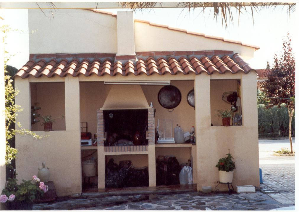Construcciones mijofran s l chalet en urbanizaci n privada for Barbacoas de jardin