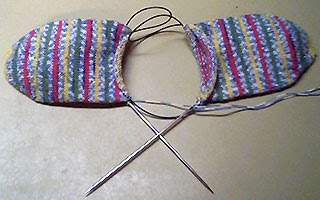 Knitting Pattern Magic Loop Socks : YARNGEAR: Knitting, Crochet, Spinning, Sewing, Weaving, and Dyeing: Magic Loo...