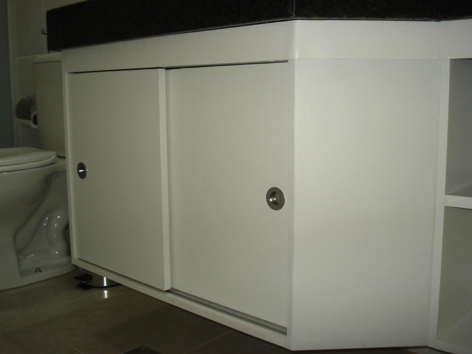 Lopes Armários Planejados Armário de Banheiro  Branco com Portas de Correr -> Armario De Banheiro Com Chave