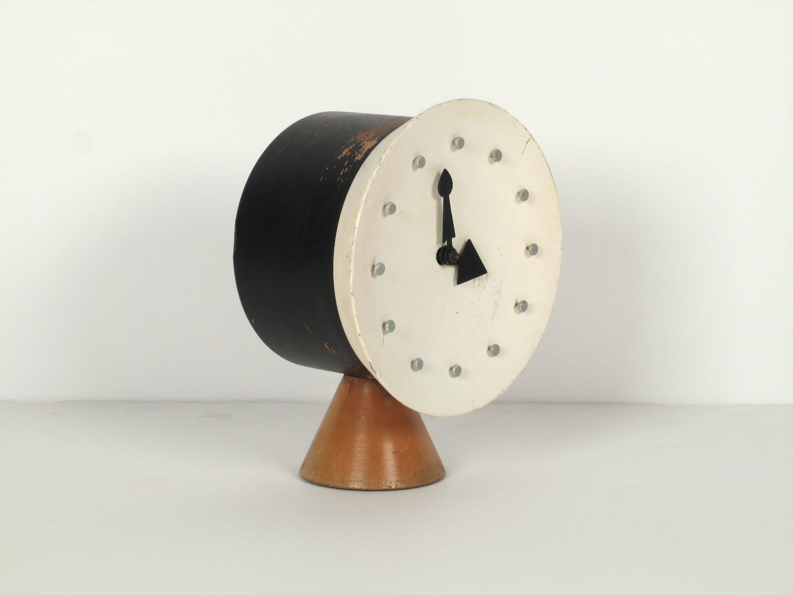 george nelson associates table clock model 4762 - Designer Desk Clock