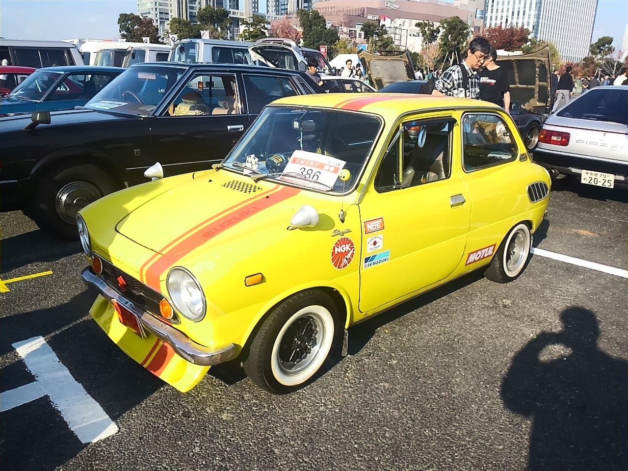 Suzuki Fronte 360, małe sportowe samochody, klasyczne japońskie auta, niewielkie samochody