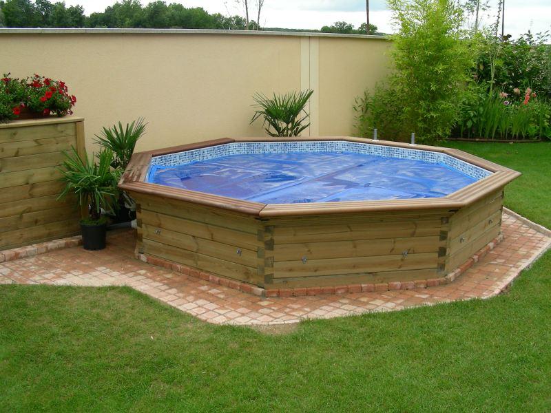 Terrasses et piscines en bois for Piscine semi enterre bois