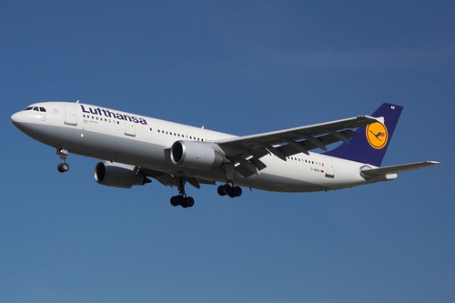 airline lufthansa companies Our member airlines include many of the world's top aviation companies as well as smaller regional airlines together, they offer easy connections to almost any destination in the world each airline maintains its own individual style and cultural identity, bringing the richness of diversity and multiculturalism to the alliance.