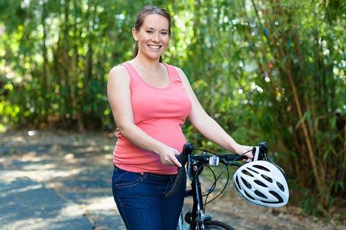 9 môn thể thao bà bầu cần nói không - Đi xe đạp
