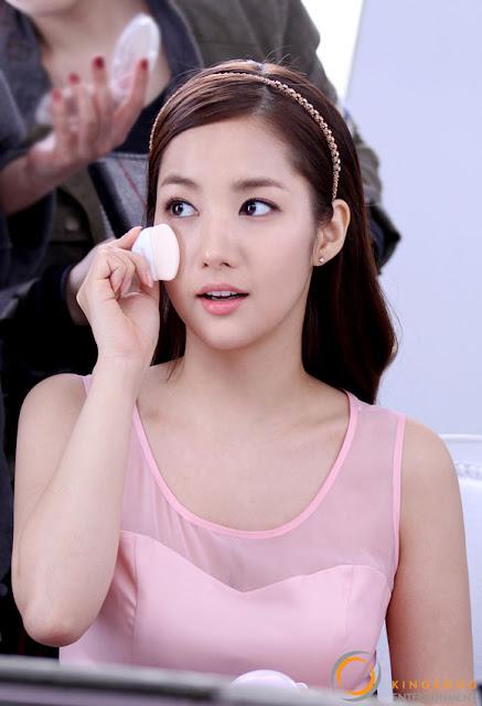 Foto Park Min-Young Lagi Syuting Iklan Kosmetik 2013