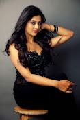 Pooja Jhaveri glamorous photos-thumbnail-14