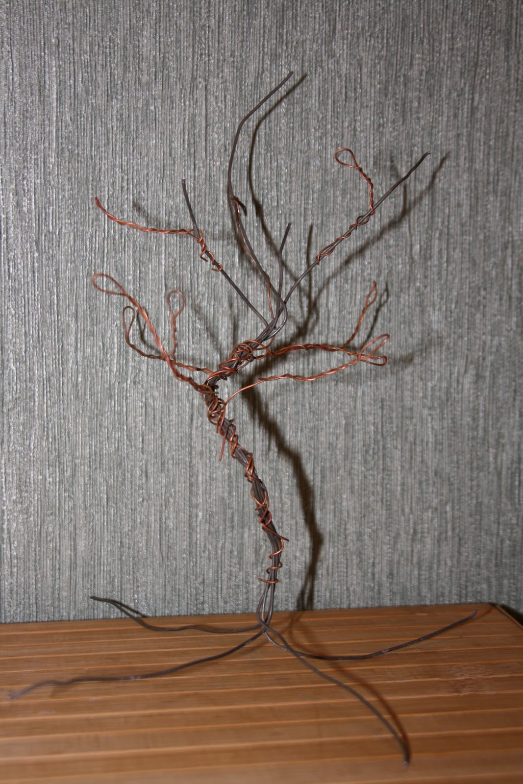 Как сделать с проволоки дерева