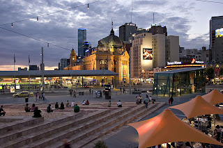 Holiday Fans travel the World RTW -family activities Budget Travel Federation Square Melbourne, Australia