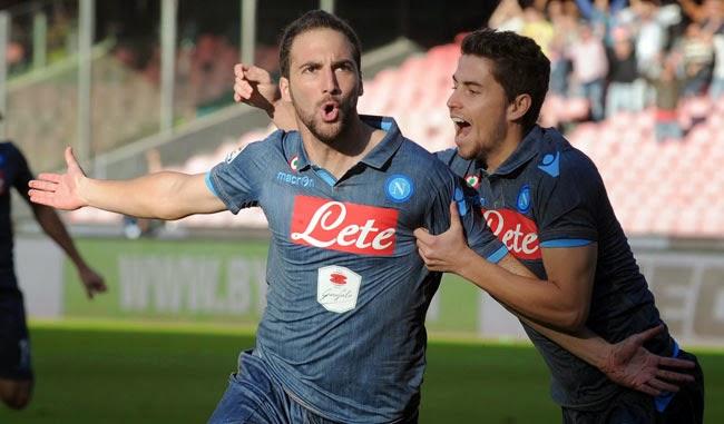Foto Higuain (Napoli) - Risultati Serie A 10a giornata: Juve sola in testa alla Classifica