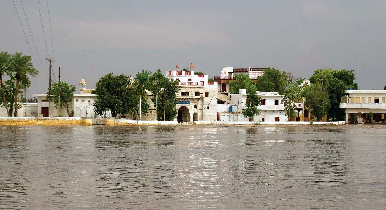 http://2.bp.blogspot.com/-8aXWdHVkIRw/Vd3-netadMI/AAAAAAAAACg/7SLPUJMBljY/s1600/Sadhu-Bela.jpg