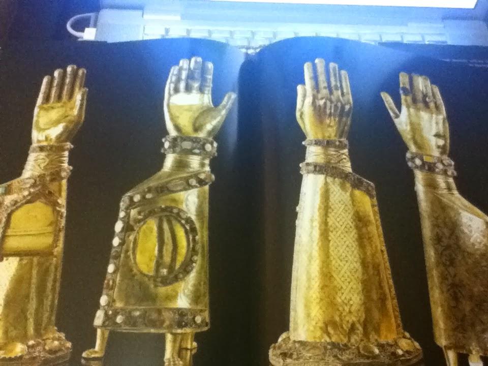 Από την Κωνσταντινούπολη στη Γερμανία: διαρπαγμένα ιερά λείψανα http://leipsanothiki.blogspot.be/