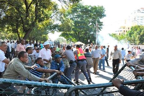 La Casa Nacional PRD ni Miguel ni Hipólito pueden entrar