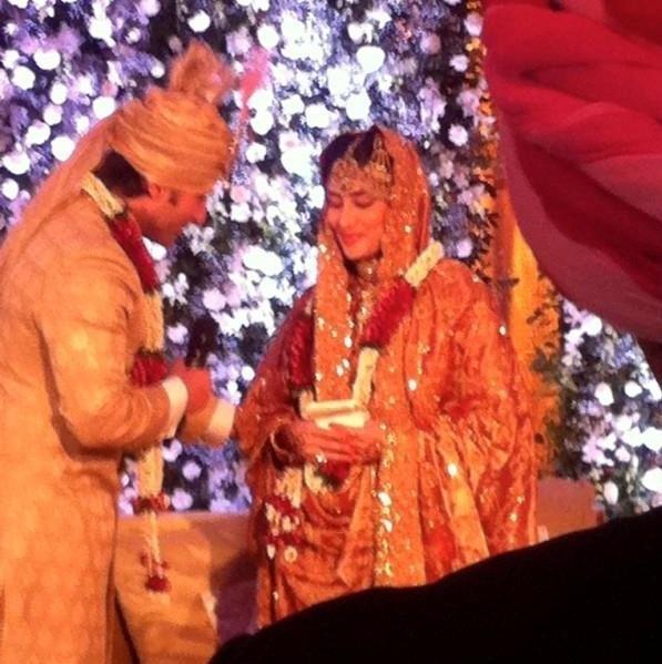 Mehndi Ceremony Of Kajol : Celebrity weddings kareena kapoor wedding pics