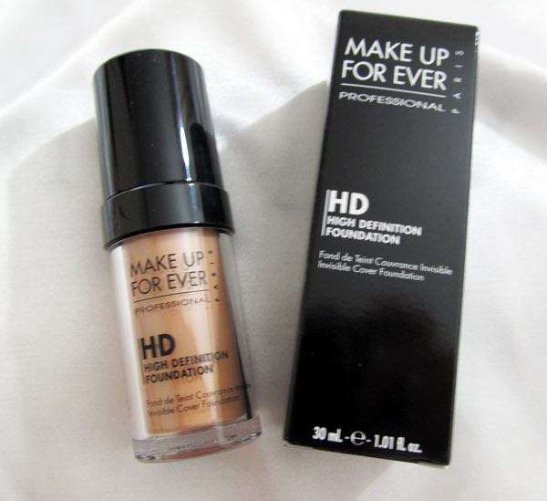 make-up-for-ever-hd-invisible-cover-foundation-127