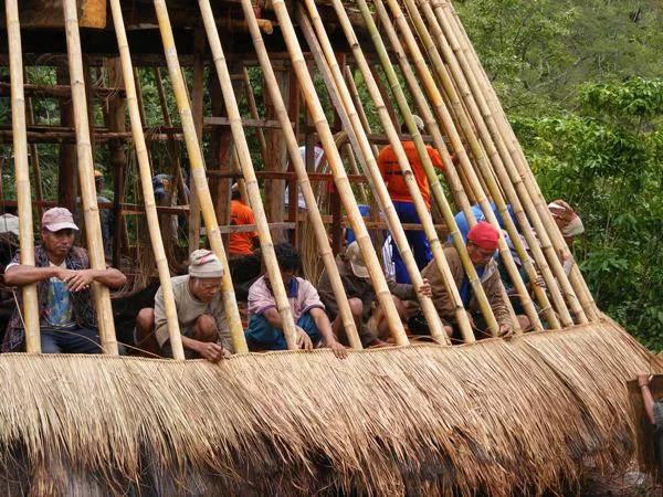 Rumah adat kampung Wae Rebo Flores