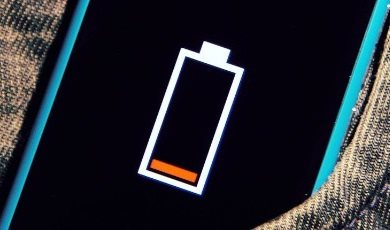 Já se foi o tempo em que os celulares conseguiam sobreviver durante dias com uma única recarga