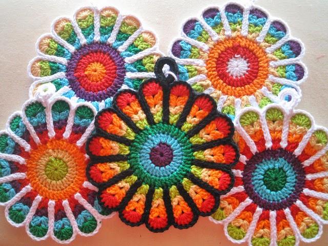 crochet-granny-fleur-vitrail