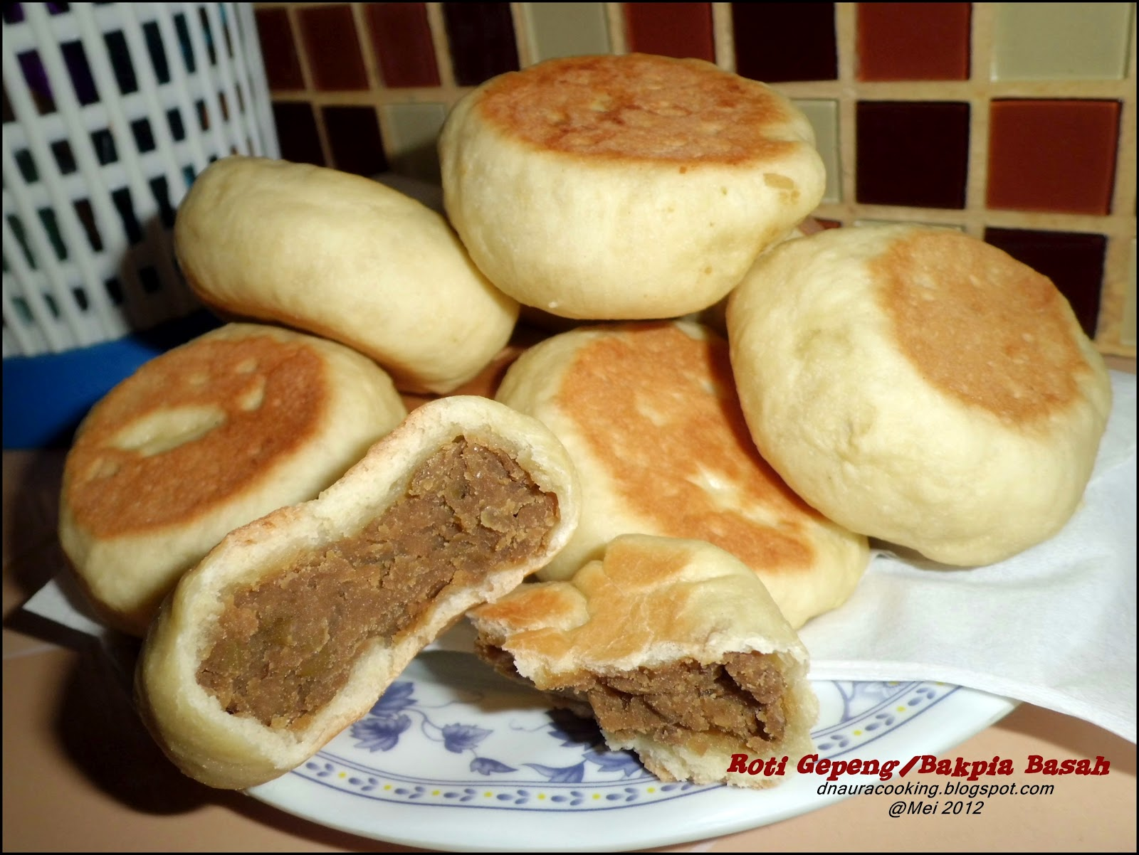 naura Natural Cooking: Roti Gepeng/Bakpia Basah