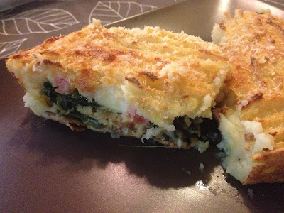 sformato di patate ripieno con spinaci, mozzarella e prosciutto cotto - potatoes mold with spinach, mozzarella cheese and ham filling