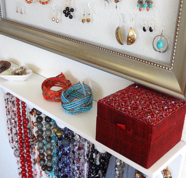 Twinkle and Twine DIY Jewelry Organizer