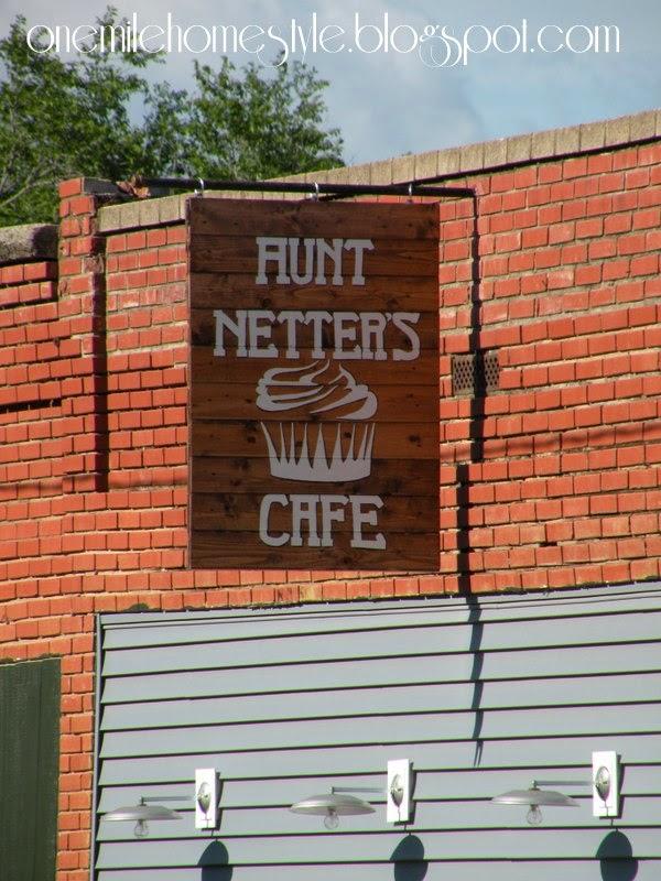 Aunt Netter's Cafe