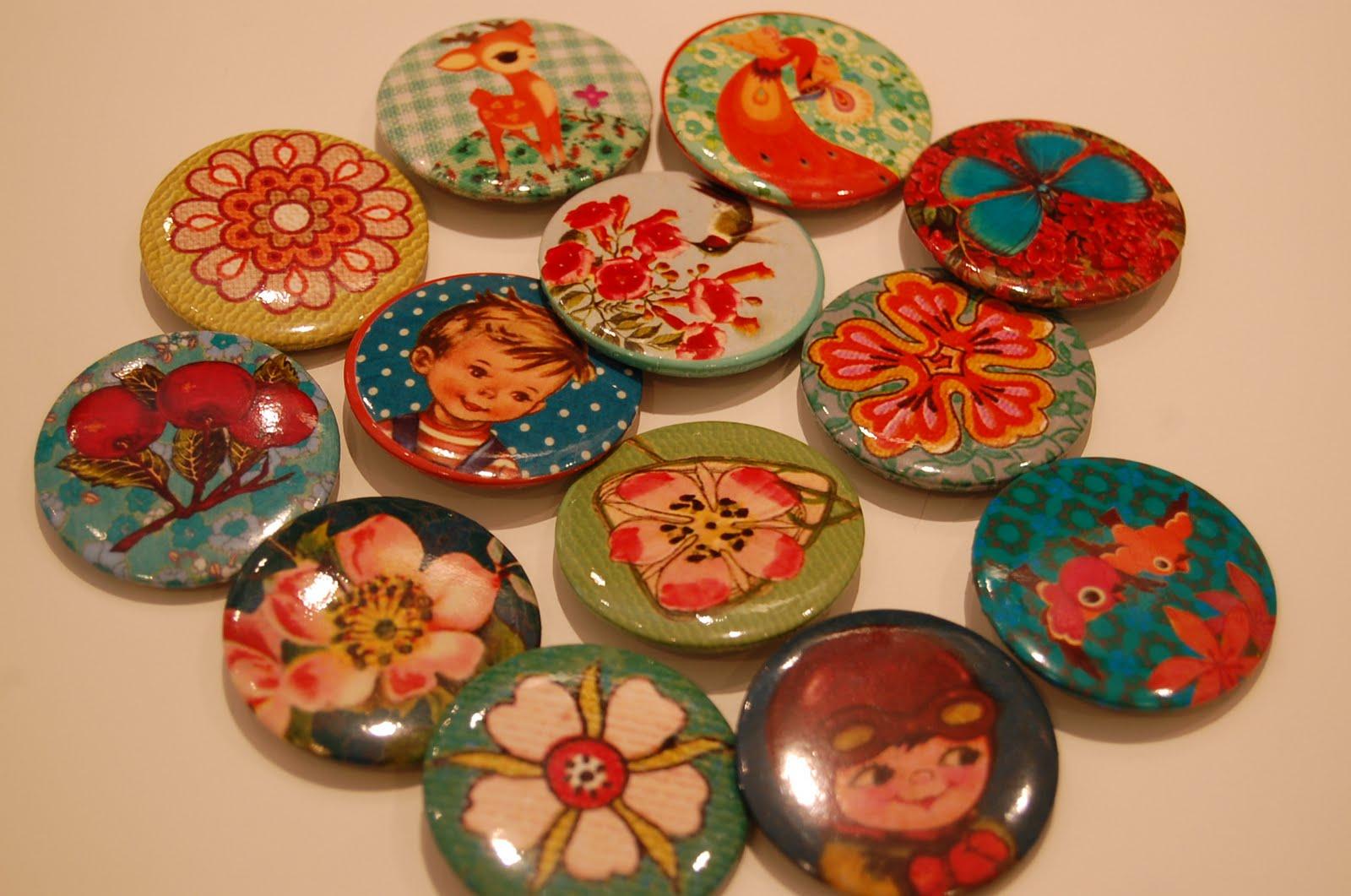 http://2.bp.blogspot.com/-8c6-wSVkaPQ/TiFw-gNzImI/AAAAAAAAAsQ/XVSiL0kFtBg/s1600/Froy%2526Dind-badges.JPG