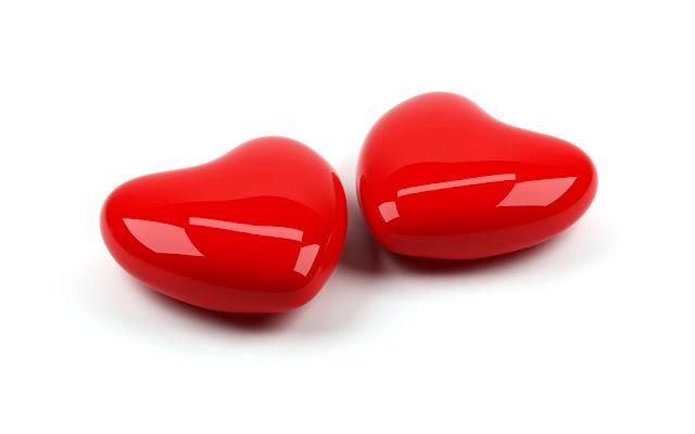 Foto met twee rode hartjes