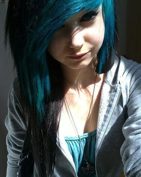 THE MOVIE WALLPAPER: EMO GIRL HAIR STYLE : EMO GIRL WIHT DARK BLUE ...