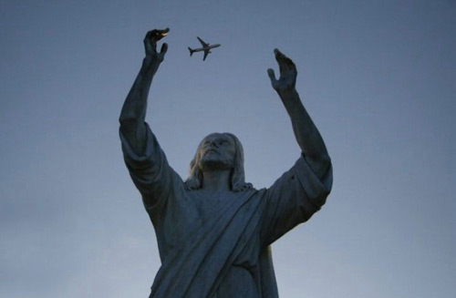 statue and airplane funny image