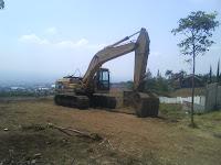 Buldozer Tirani Lingkungan Jejak Manyar