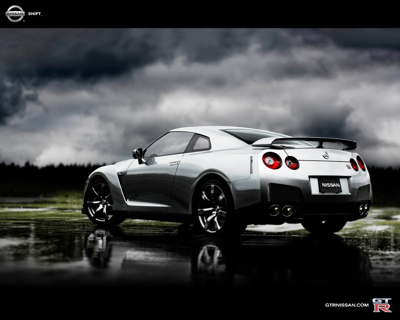 http://2.bp.blogspot.com/-8d2kxDRk7cY/TwWRBqh8PGI/AAAAAAAAB3Q/FDqkXqGsFV4/s1600/Nissan-GT-R-5.jpg