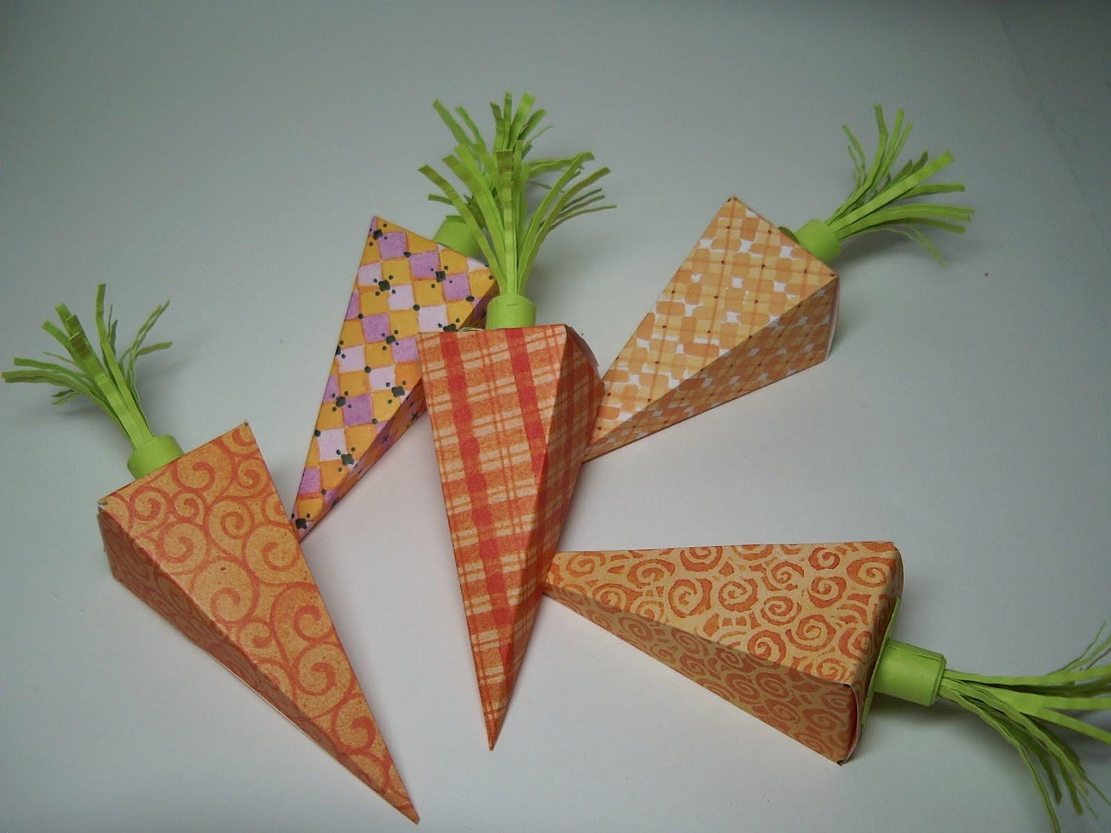 Как сделать из бумаги морковь