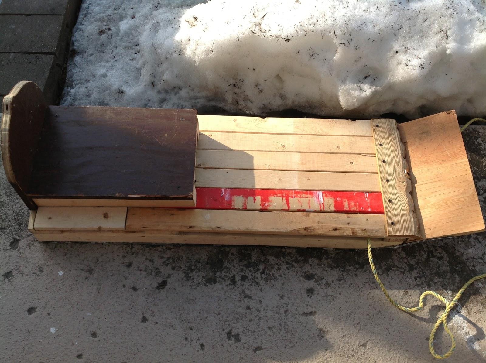 delicieux fabriquer une luge en bois 8 planche de bois. Black Bedroom Furniture Sets. Home Design Ideas
