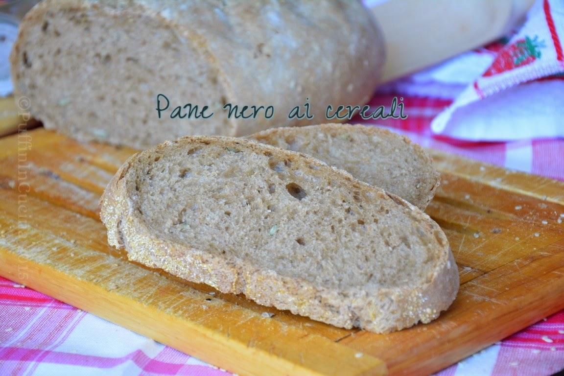 pane nero ai cereali con semi di girasole e sesamo (con pasta madre)