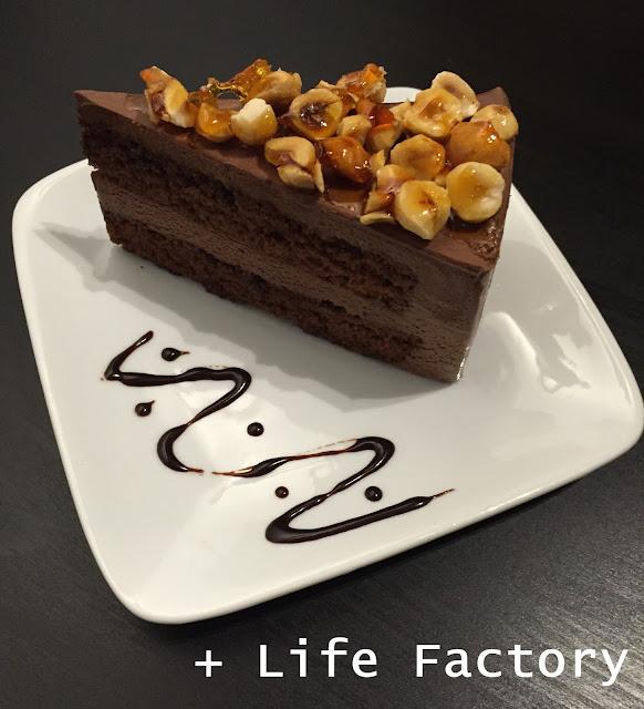 Macadamia chocolate cake, Piccolo Cafe, Taman Equine, Seri Kembangan