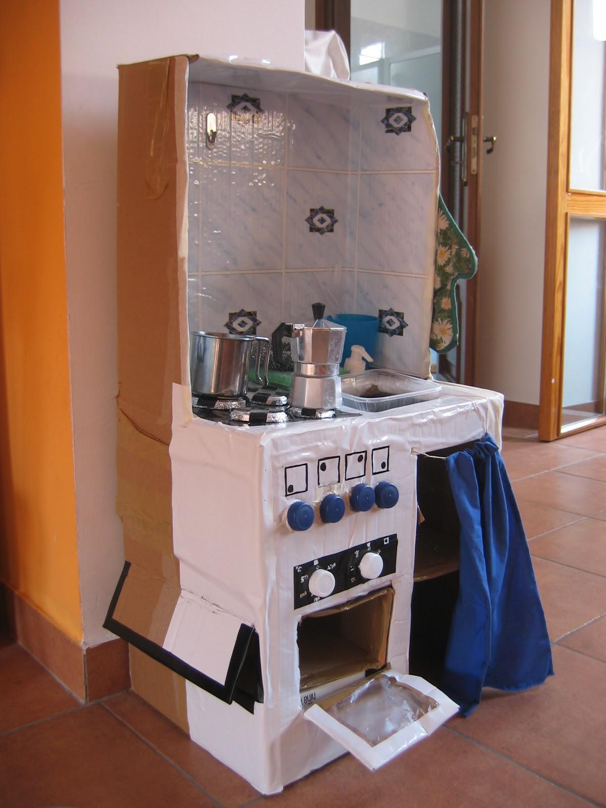 Coccole e nuvole cucina in cartone - Cucina fai da te ...