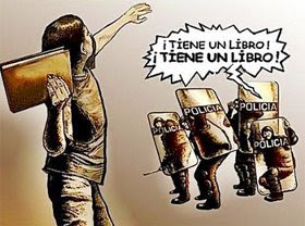 CUIDADO...! TIENE UN LIBRO....!