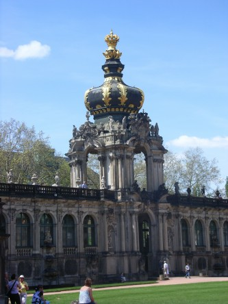 Le blog de la classe architecture baroque zwinger dresden for L architecture baroque