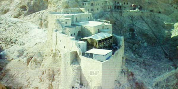 Foto-Stonehenge-dari-Suriah_1