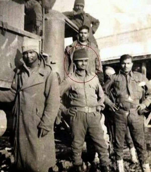 Anna Hazare in Army rare photo