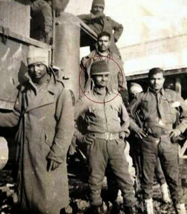 Anna Hazare in Army rare photo