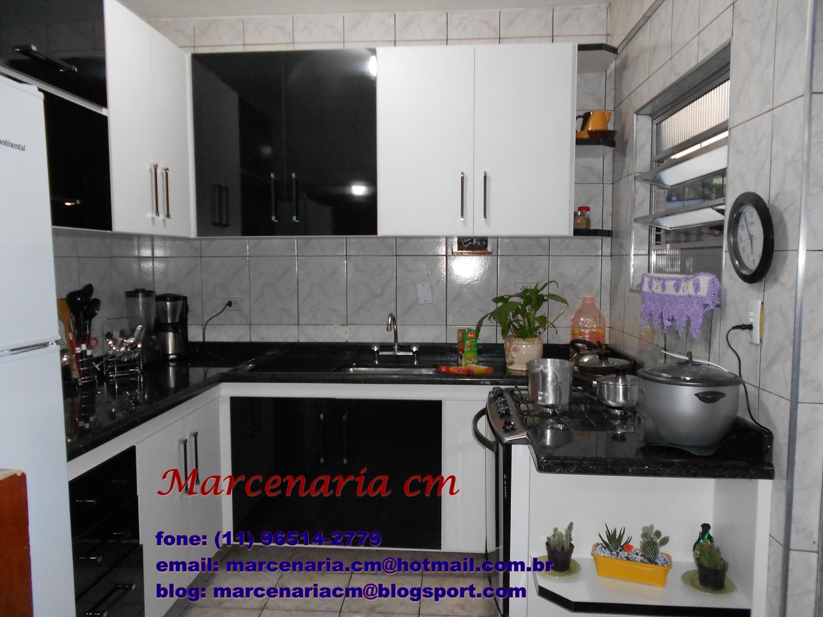 preto brilhante e branco texturizado duas portas vasculhante e nas #2C1A73 1600x1200