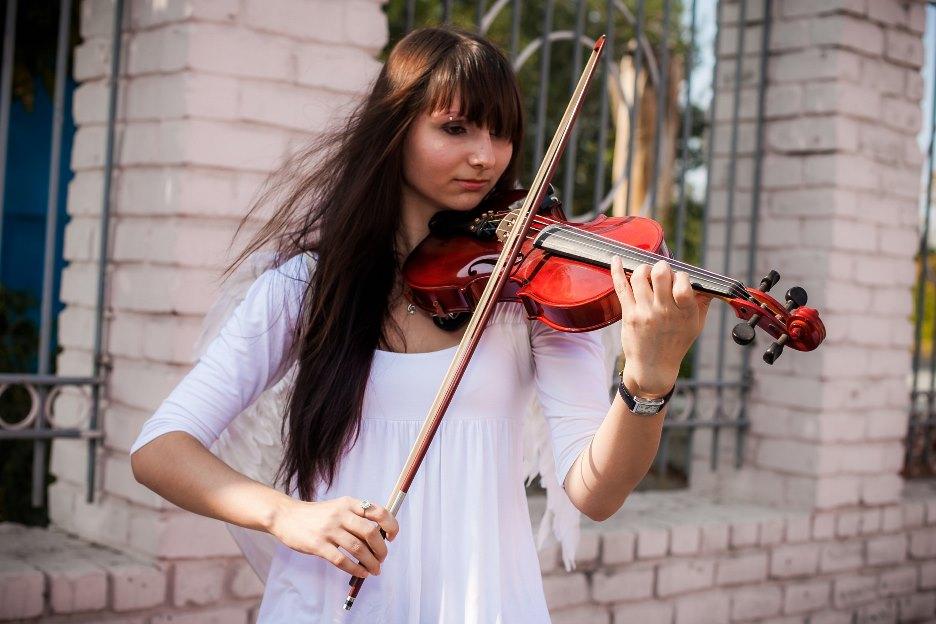 Праздничное агентство «FIESTA» в Волгограде и Волжском: Скрипач на праздник в Волгограде и Волжском