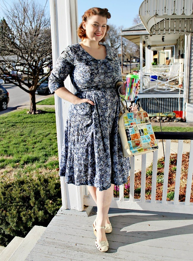 1950s vintage cotton plus size floral day dress via Va-Voom Vintage bloggy bootcamp
