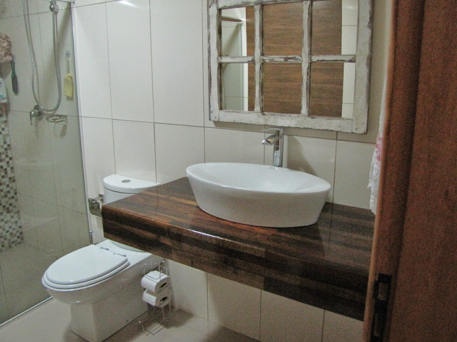 Ah lá em casa!: Nova bancada do banheiro #3A291E 1600x1200